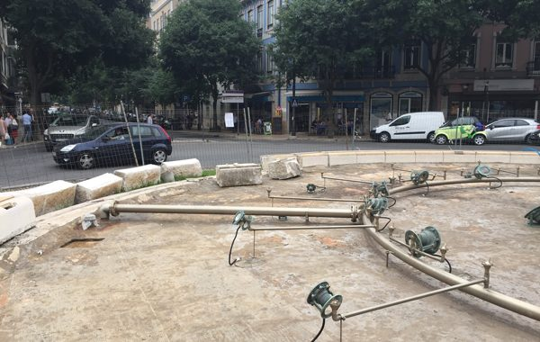 reabilitação fonte Largo de D. Estefânia